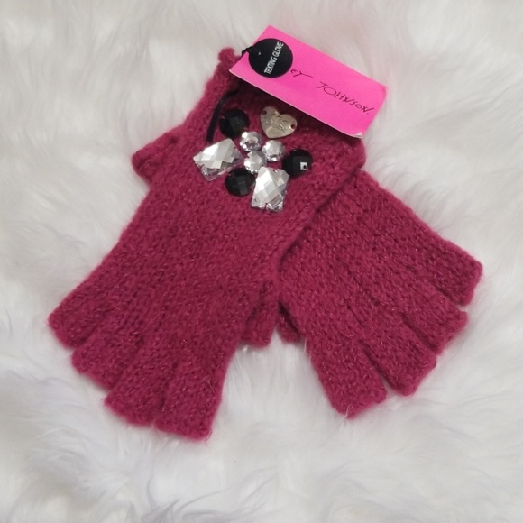 Betsey Johnson Accessories - New! Betsey Johnson XoXo Texting Knit Gloves